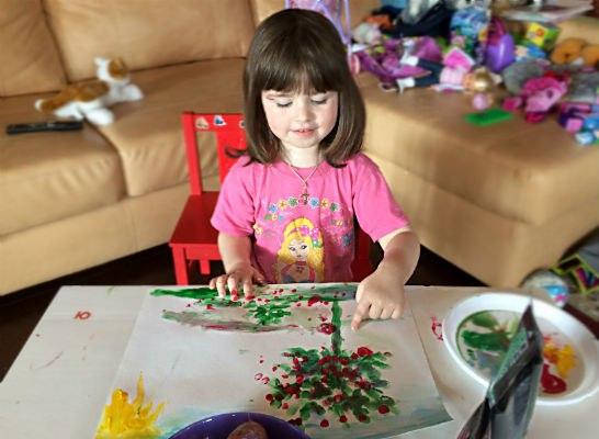 детские рисунки краски карандаши
