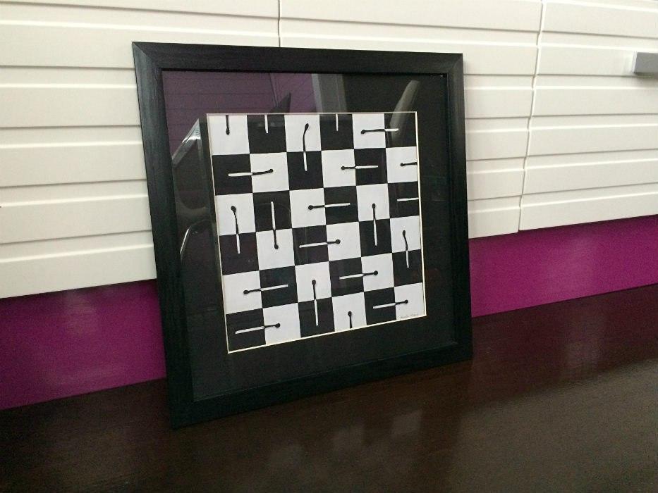 натюрморт акварелью спички шахматная доска черный