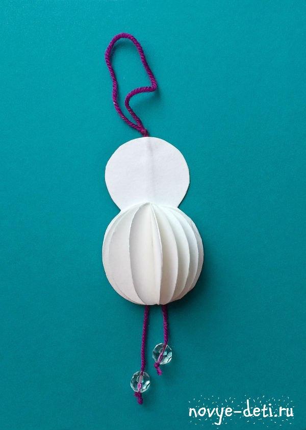 поделка на новый год снеговик из бумаги