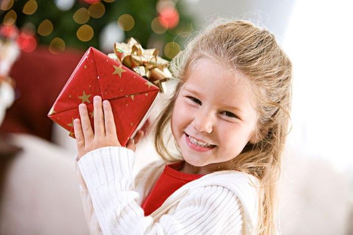 Какой подарок сделать ребенку детям на новый год день рождения